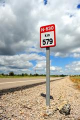 Carretera Nacional, señal de kilómetro, España