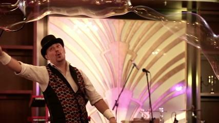 Bubble show at the festival.