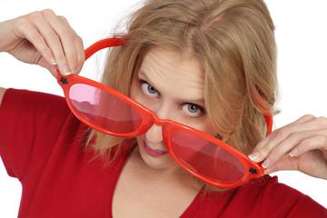 femme avec énorme lunettes