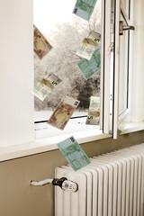 Geld entweicht durch Fenster