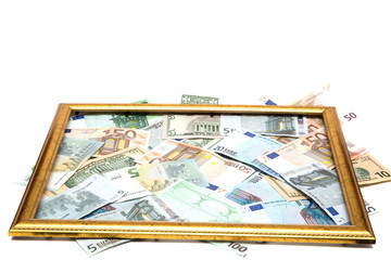 валюта в рамке