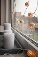 Свечи, гирлянда, окно,рождество