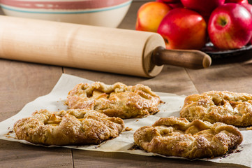 Red apples with apple tarts