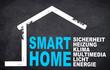 Kreidetafel mit Haus und Smarthome