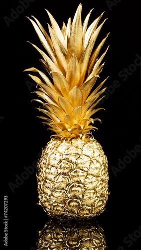 Gold pineapple © gertrudda