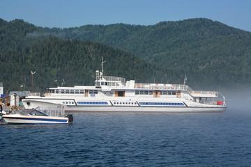 Excursion ship at Teletskoye lake
