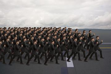 Marschierende Klone