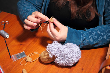 Making of knitted sheep