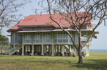 Дворцовый павильон в летней резиденции короля Рамы VI. Таиланд