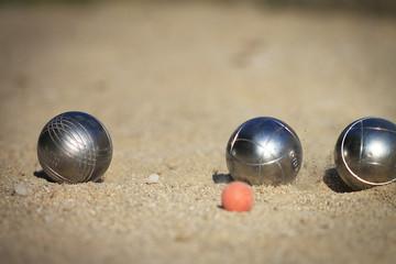 3 boules de pétanque