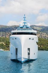 Besonderes Design: Schiff am Meer