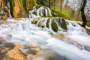 Cascadas en la sierra de Entzia (España)