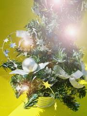 arbol de navidad con luces brillantes