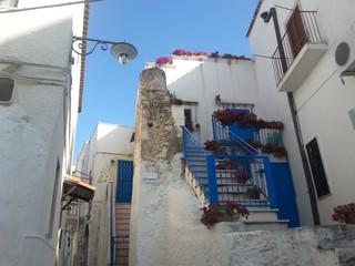 Apulien Gargano, Eingang eines Hauses im Dorf Peschici