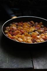 Капуста брюссельская, картофель. мясо (рагу)