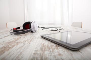 Kopfhörer mit Tablet PC