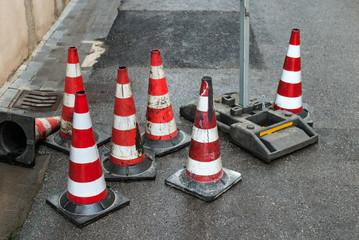 Cono di segnaletica stradale, lavori in corso