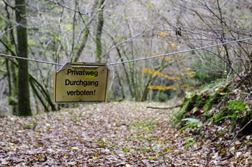 Durchgang verboten Schild