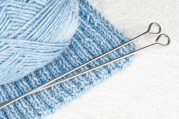 needle and wool