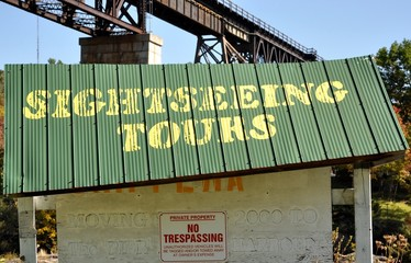 Sightseeing tours sign