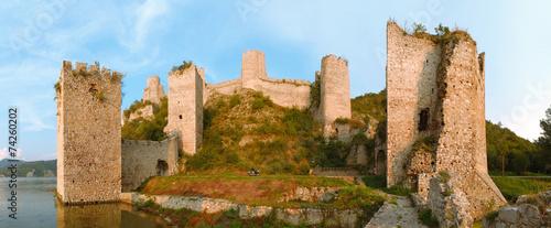 Papiers peints Europe de l Est Golubac Fortress Panorama, Serbia