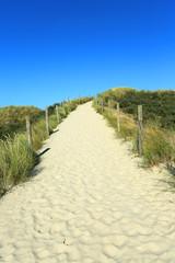 Sandweg durch Dünen