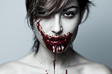 ragazza assassina cannibale