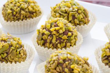 Praline di cioccolato casalinghi ai pistacchi