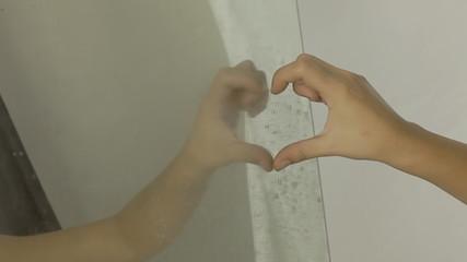 Vintage girl mirror hand shape heart CU LT