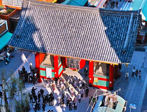 canvas print picture 浅草寺雷門と観光客