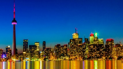 Toronto skyline from the Center Island at nightime