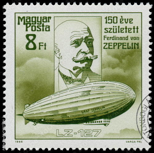 Deurstickers Ballon Stamp printed in Hungary shows Zeppelin
