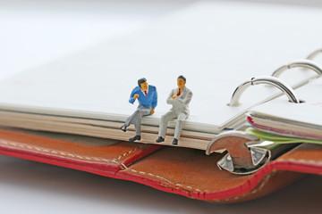 手帳とビジネスマン