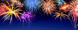 Feuerwerk Panorama auf Dunkelblau - 74335485