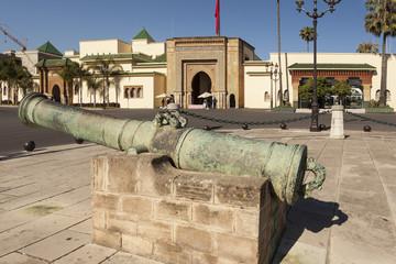 Пушка у Главных ворот Королевского дворца. Рабат