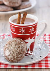 Gingerbread and hot chocolate at Christmas