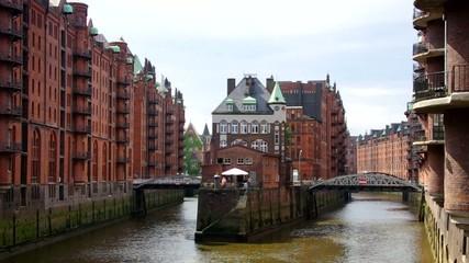 Hamburg Speicherstadt Wasserschloss vid 06
