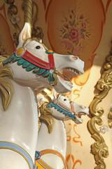 chevaux de bois d'un carrousel