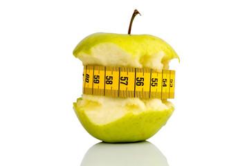 Apfel auf mit Maßband