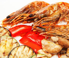 grill shrimp with vegetables