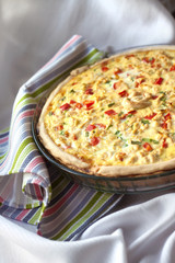 Chicken tart with paprika and goat cheese