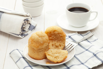 Muffins on plate with coffee