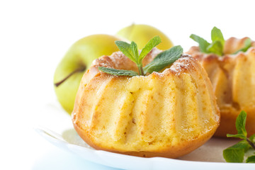 sweet apple muffins