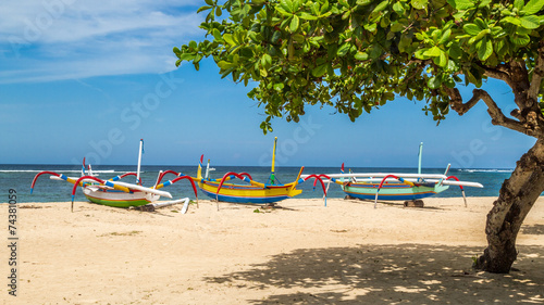 Deurstickers Indonesië beach in bali, three boats ready to sail