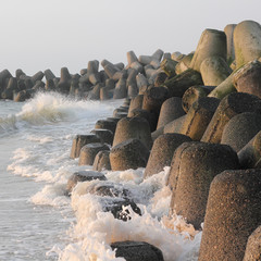 Tetrapoden aus Beton schützen die Küste von Sylt