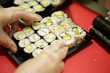 Sushi zubereitung, asiatische Küche