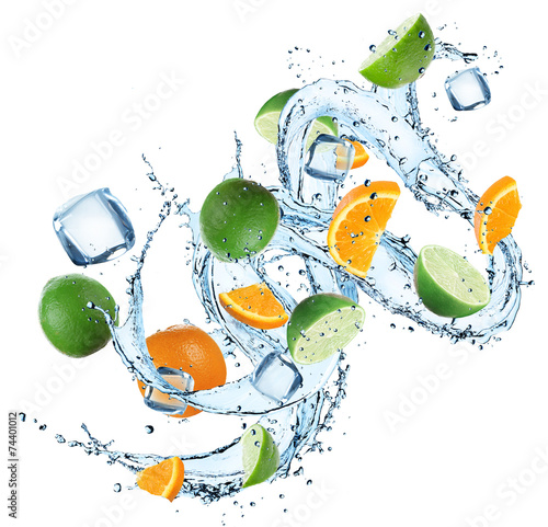 canvas print picture Fresh oranges and limes with water splash
