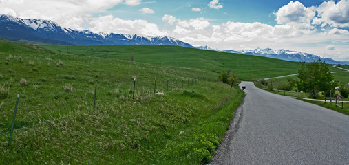 Road tothe Mountains