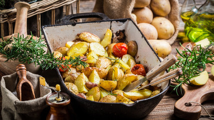 Baked potatoes with rosemary and garlic