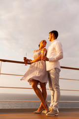 couple flirting during cruise trip